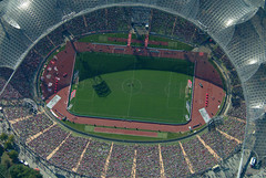 Soccer (Aerial Photography) Tags: people green by germany munich mnchen bavaria soccer m bundesliga olympiastadion obb fusball fcbayernmnchen 20092003 olympicstadionmunich hochberbayern2 s2p28462