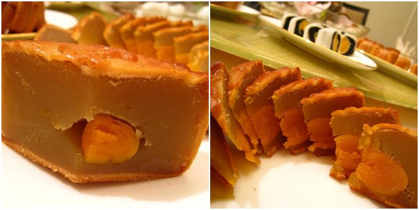 Baked Mooncake - Single Yolk with White Lotus