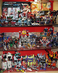 Transformers (2004) (Rob Boudon) Tags: cars toys collection robots transformers planes shelves morethanmeetstheeye robotsindisguise