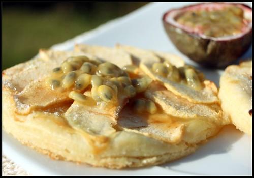 2955808610 b7a00e8f00 Tartelettes aux pommes et fruits de la passion
