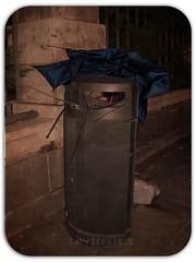 Mal da para los paraguas (Laura Feito) Tags: madrid lluvia viento paraguas