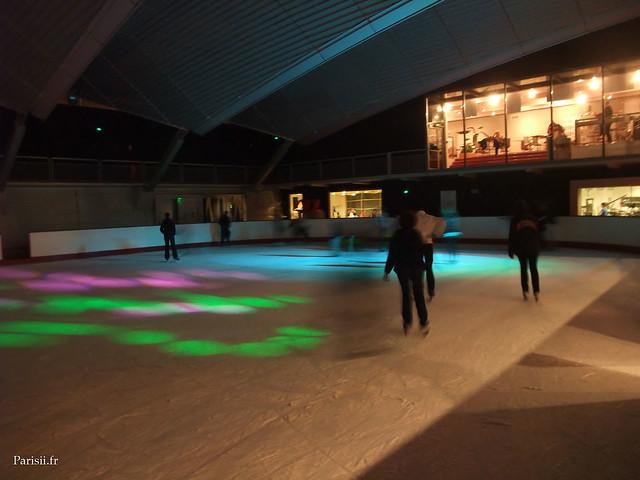 La patinoire n'est pas bondée
