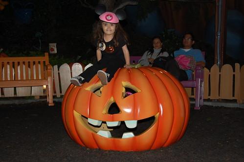 Disneyland Halloween 08