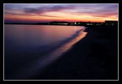 Capvespre roig (crossa) Tags: sunset beach d50 atardecer nikon playa 1855 tarragona platja lapineda capvespre skytheme a3b