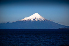 Blue Vulcano (roevin | Urban Capture) Tags: chile blue sunset lake mountains chili andes vulcano puertovaras osorno volcn lagollanquihue stratovolcano anawesomeshot aplusphoto loslagosregion