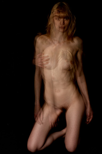 Lou - Experimental Lighting - Nudes