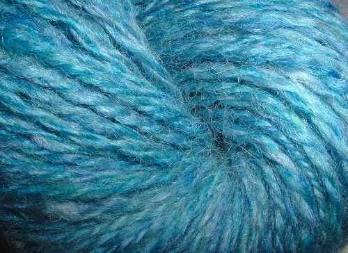 bluehandspunformombg2