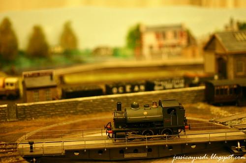 model-train3
