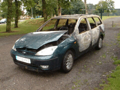 Ford Focus estate stolen in a burglary (LittleBritain2) Tags: park ford abandoned focus leicestershire e3 burglary leys beaumont dumped joyriders braunstone newparks