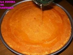Tarta de melocotón-bañar con almibar