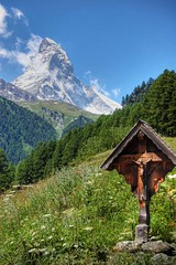 The Matterhorn - Switzerland (*Lie ... on / off ! ...) Tags: mountains switzerland nikon zermatt matterhorn bergen hdr supershot totalphoto aplusphoto naturewatcher excapture goldstaraward flickrestrellas nikonflickraward vosplusbellesphotos