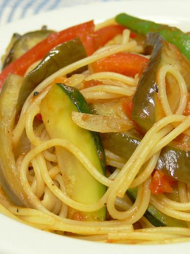 夏野菜のトマトソーススパゲティ