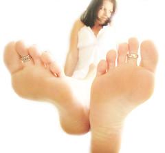 you walk all over me...... (*Kristene) Tags: light white feet silver different thankyou view bright rings than sheet much onwhite edit xoxox kristene explored futab noraml