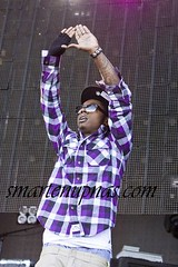 lil wayne throwing up the roc