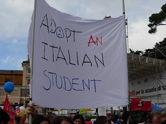Adotta uno studente italiano (Gaiux) Tags: roma università protesta 2008 proteste scuola manifestazione sciopero riforma facoltà finanziaria istruzione sindacato sindacati gelmini 30102008 legge133
