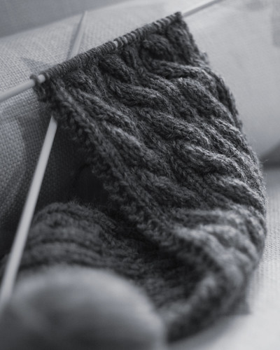 v cable knit 006