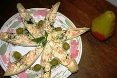 021 Endivias rellenas de crema de queso con pasta al aceite de tomillo