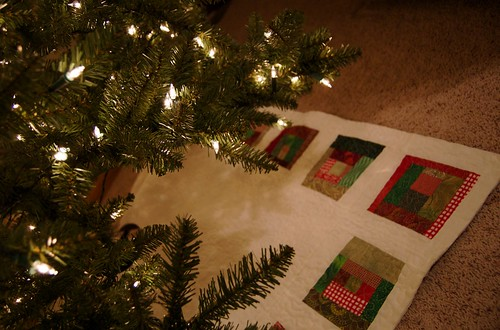 my scrappy tree skirt - almost done