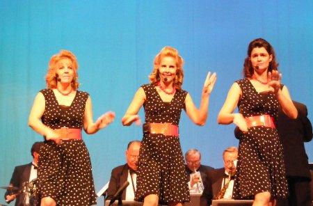 Andrews Sisters Revue