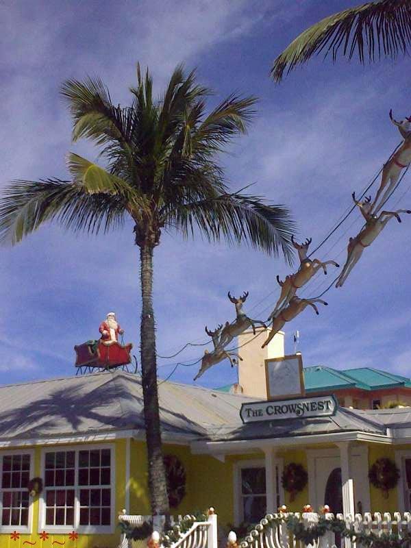 11272008439-Roof-Santa-Tween-Waters-Inn