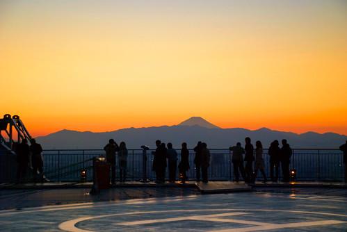 Tokyo sunset over Fuji 04