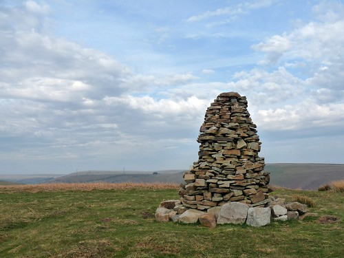 12410 - Peters Cairn, Cefn Drum