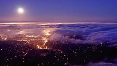 The Unseen Sea on Vimeo by Simon Christen (xpelik) Tags: ocean sanfrancisco california city sunset sea moon fog skyline night clouds timelapse vimeo waves glow fullmoon moonrise bayarea moonset unseen theunseensea vimeo:id=15069551