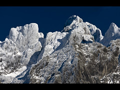 Torres de hielo II (jtsoft) Tags: mountains landscape asturias olympus picosdeeuropa e510 torco amieva peñasanta zd50200mm jtsoftorg