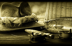Memories (Imapix) Tags: fish canada art nature hat sepia canon vintage photography photo rainbow fishing bravo foto photographie basket searchthebest image quebec memories qubec flies flyfishing trout rods rainbowtrout panier fishingrod imapix truite fishingflies gaetanbourque alarecherchedutempsperdu aplusphoto visiongroup diamondclassphotographer flickrdiamond onephotoweeklycontest 100commentgroup vision100 imapixphotography gatanbourquephotography