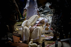 zoriah_iraq_war_fallujah_suicide_bomb_dead_elderly_old_man_sheik_chair (Zoriah) Tags: photo amrica foto fotograf photographie image iraq guerra krieg militar baghdad bild amerika guerre fotgrafo imagen bagdad armee reportage arme es