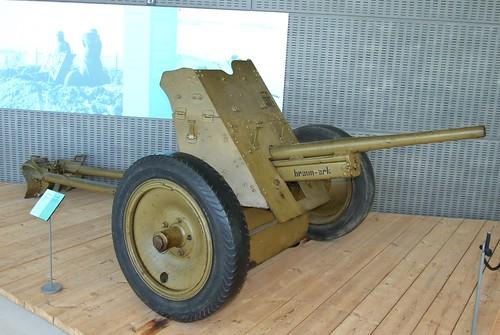 3,7 cm PAK gun