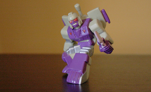 Robot Heroes G1 Blitzwing