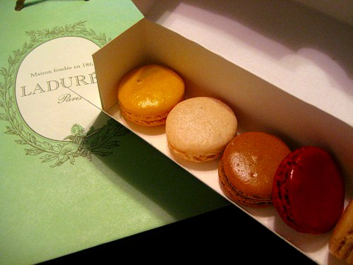 "LADUREE "" beautiful macarons"""