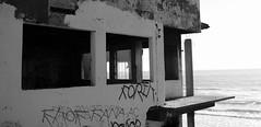 Abandonada (Srch) Tags: bw playa graffitti tijuana playasdetijuana playas letras abandonado flickrtour bcflickr