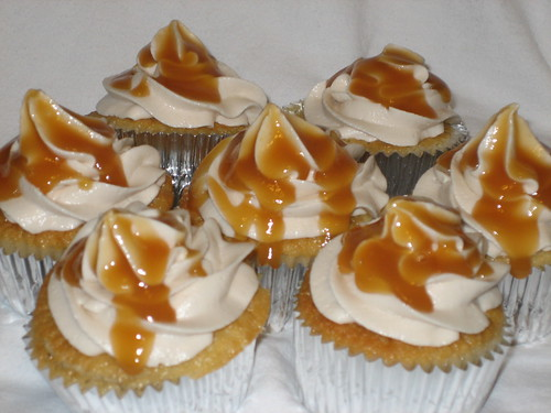 White Cheddar Apple Pie Cupcakes