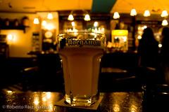 One big beer (Berts @idar) Tags: cerveza zaragoza hoegaarden efs1855mmf3556 espaa canoneos400ddigital angelazul ojosajenos ojosajenoscom
