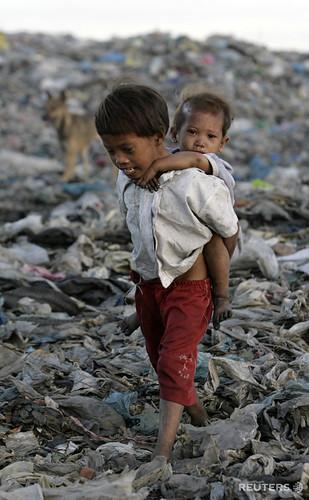 Pinoy Filipino Pilipino Buhay  people pictures photos life Philippinen  菲律宾  菲律賓  필리핀(공화�)  Tondo, Manila dump site trash