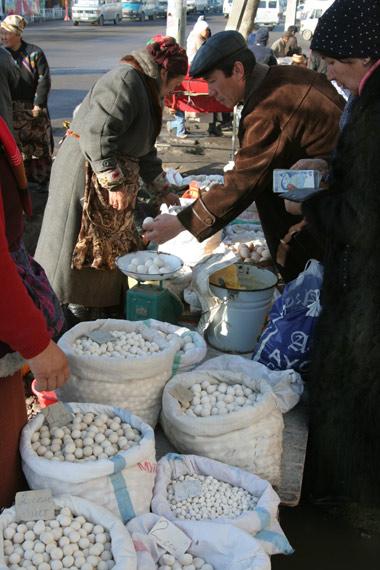 Osh-Bazaar-3