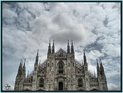Milano - Il Duomo (G.hostbuster) Tags: milan clouds nuvole cathedral spires milano cathdrale duomo nuages soe goldenglobe guglie 5photosaday outstandingshots flches golddragon abigfave worldbest anawesomeshot lifebeautiful diamondclassphotographer overtheshot sottoilcielodimilano
