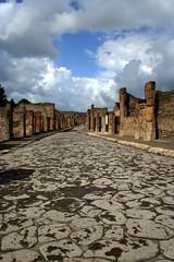 back in the old times (Tomsch) Tags: road italien sky italy clouds ancient ruins italia stones himmel wolken steine pompeii wege pompeji strassen ausgrabungen altertum
