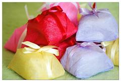 bem-casados da Carol (mariacarambola) Tags: food color colors cores nikond70 comida doce cor santossp bemcasados mariacarambola karinabatista bemcasadosdacarol mariacarambolablogspotcom