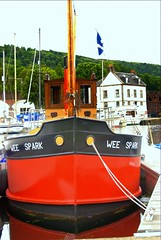 """""""Wee Spark"""" (Nicolas Valentin) Tags: uk reflection water scotland riverclyde clyde boat bowling puffer bateau strathclyde ecosse weespark"""