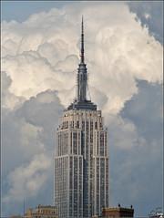 Empire State Building (Ubierno) Tags: park new york usa cloud building river state manhattan empire nubes hudson nueva aplusphoto ubierno toisóndeoro