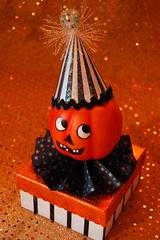 Vintage-inspired Halloween Pumpkin box + tutorial