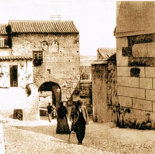 Mezquita del Cristo de la Luz, Toledo, en el siglo XIX con su fachada tapiada