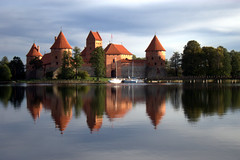Trakai Castle - Trakai - Lithuania ({ Planet Adventure }) Tags: wow photography bravo thebest lithuania trakai digitalphotography holidayphotos stumbleupon travelguide travelphotography digitalworld intrepidtraveler traveltheworld planetadventure colorfulworld worldexplorer trakaicastle amazingplanet aplusphoto intrepidtravel alessandrobehling stumbleit topphotography holidayphotography spiritofphotography colorfulearth photographyhunter photographyisgreatfun