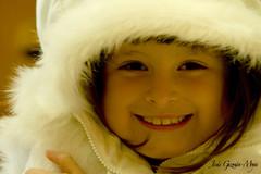 A Pesar del Fro la Felicidad Sonre (Jesus Guzman-Moya) Tags: portrait girl smile familia mxico mexico retrato nia niece sonrisa puebla sobrina jimena chuchogm huauchinango jessguzmnmoya goldstaraward jesusguzmanmoya