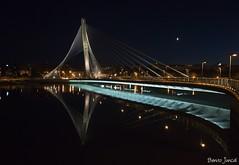 Ponte dos Tirantes. (benitojuncal) Tags: españa rio canon river puente 22 spain 10 ponte galicia nocturna mm soe pontevedra tirantes lerez