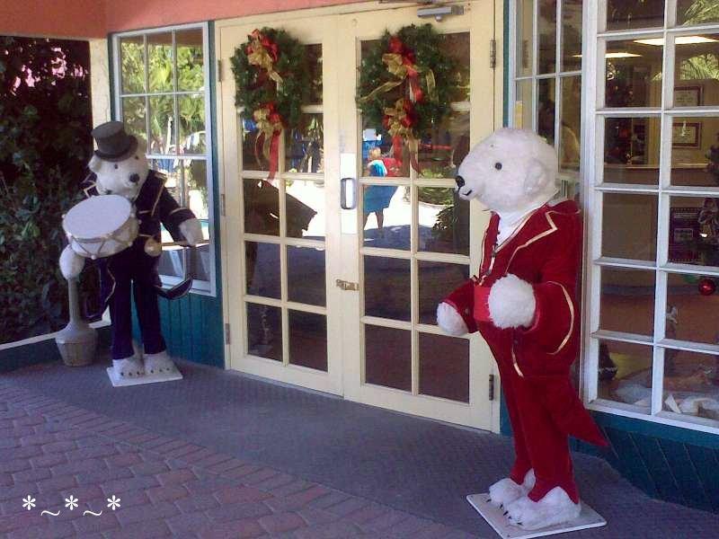 11272008449-Christmas-Polar-Bears-Doormen-Tween-Waters-Inn