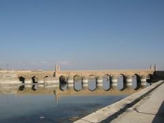 varzane( ) (Jaleh.M) Tags: bridge sunset birds fire town persian village iran iranian pars  esfahan isfahan  farsi  safavi   jaleh    safavie          mazaji jalehmazaji  varzane jarghooye varzanebridge safavibridge